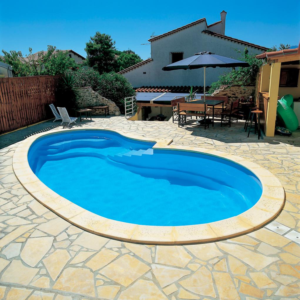Installation piscine coque arles piscine natura concept for Concept piscine