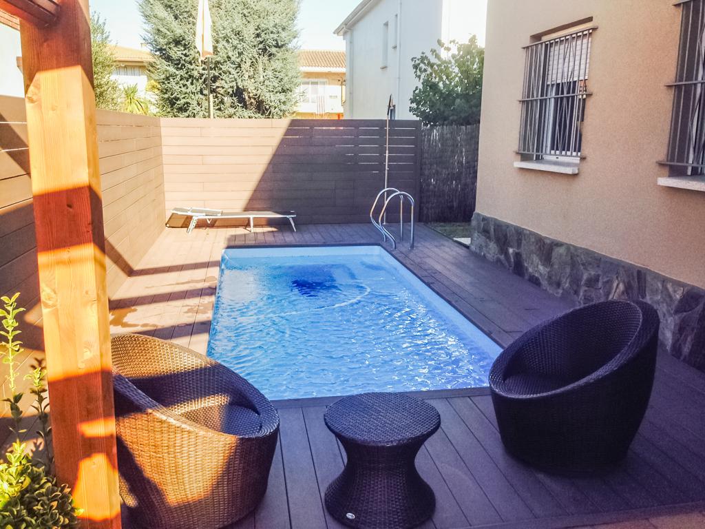 Installation piscine coque arles piscine natura concept for Installation piscine